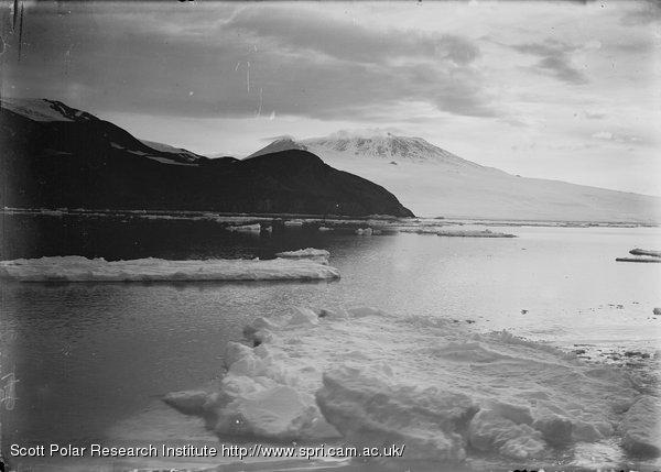 Erebus at 1.15 a.m. Jan. 4th 1911.