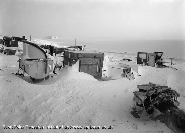 The snowed up motor tractors. August 1st 1911